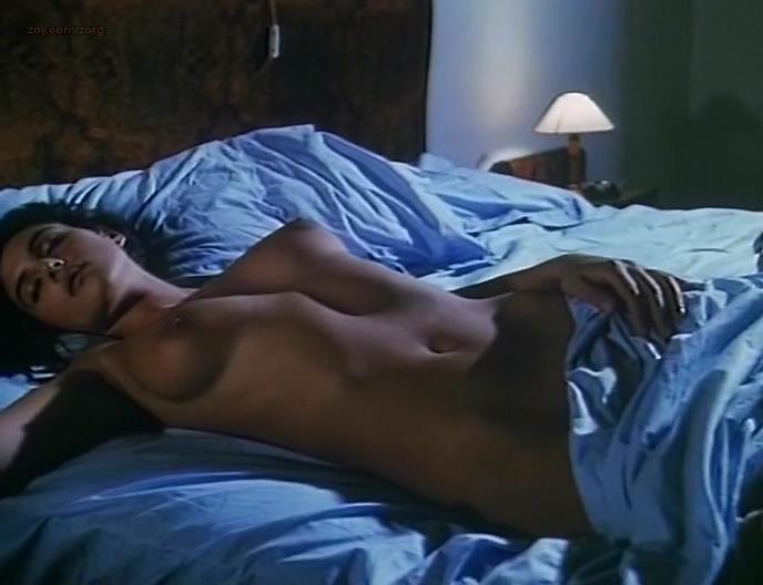 Maria bellucci nuda Monica Bellucci Nude Topless And Hot Vita Coi Figli 1990