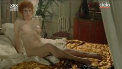 Paola Senatore nude full frontal and Claudia Cavalcanti nude bush and sex - Maladonna (IT-1984) (16)