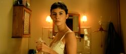 Audrey Tautou hot in lingerie Isis Peyrade nude - Amélie (FR-2001) HD 1080p (12)