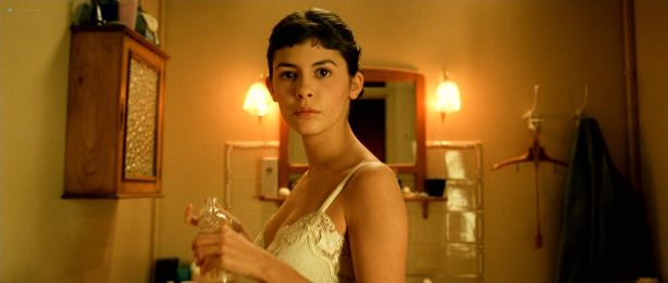 Audrey Tautou hot in lingerie Isis Peyrade nude - Amélie (FR-2001) HD 1080p (12)
