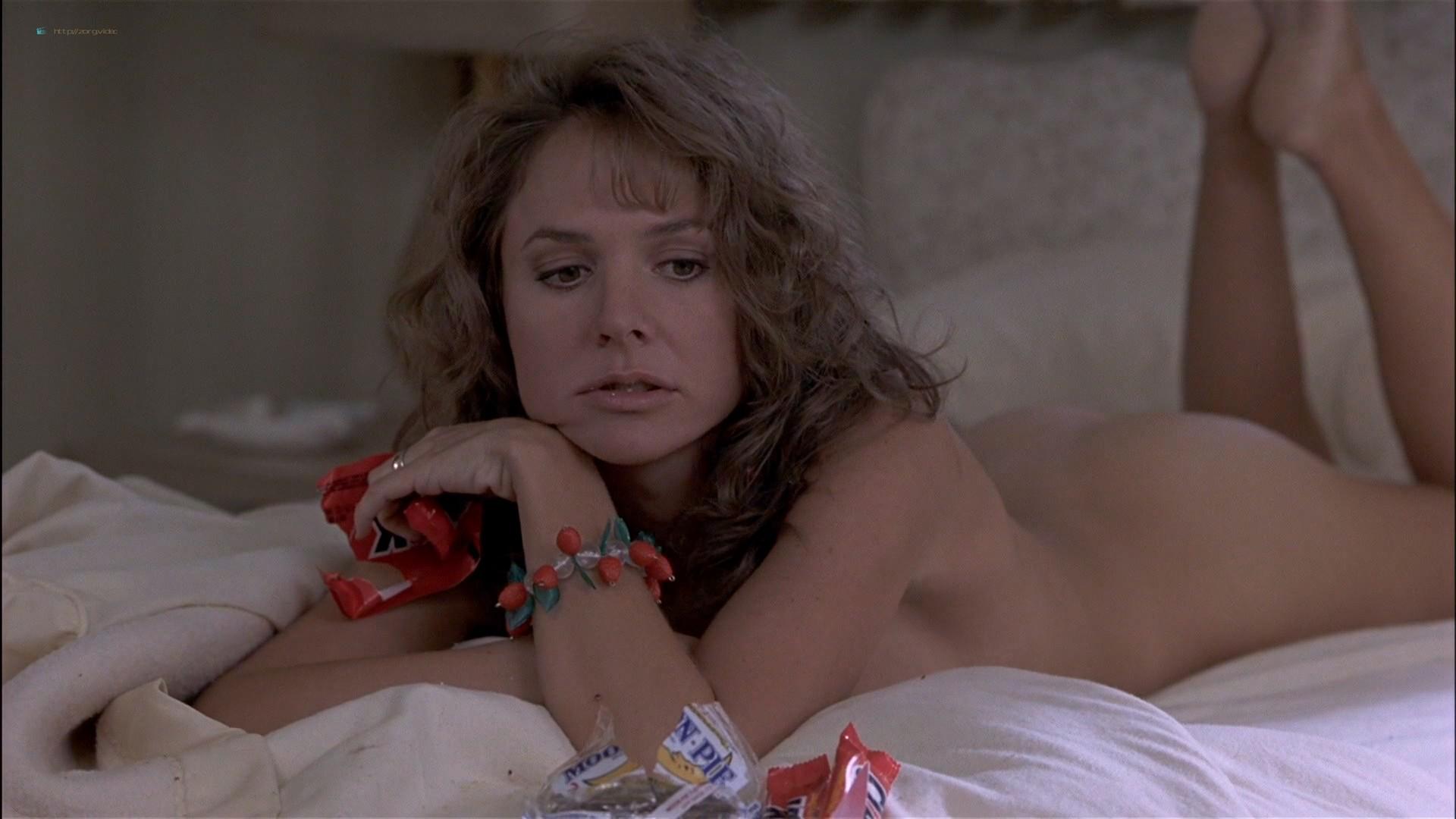 Gwyneth Paltrow nude Meg Ryan and Barbara Alyn Woods nude too - Flesh and Bone (1993) HDTV 1080p (19)