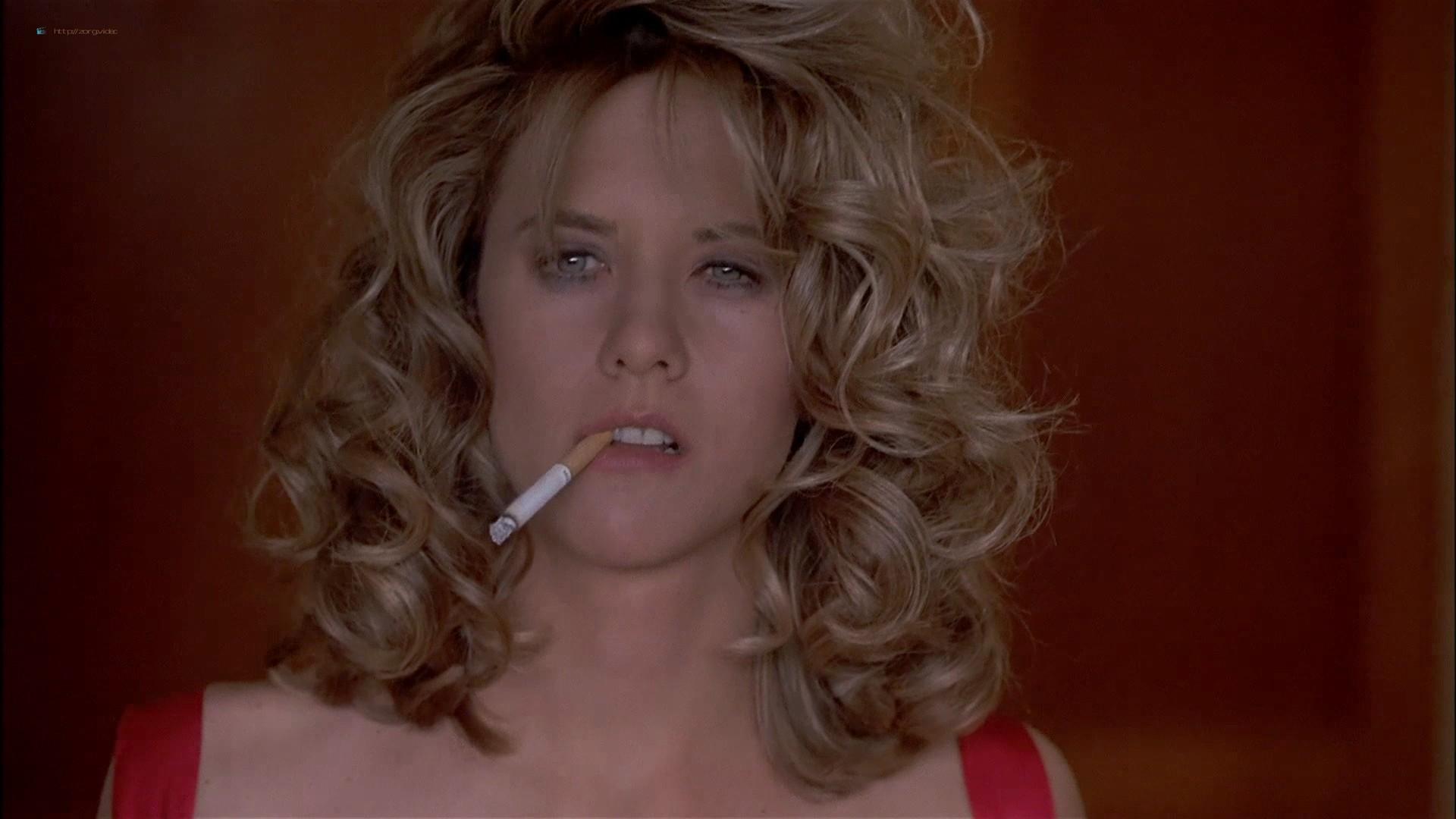 Gwyneth Paltrow nude Meg Ryan and Barbara Alyn Woods nude too - Flesh and Bone (1993) HDTV 1080p (14)