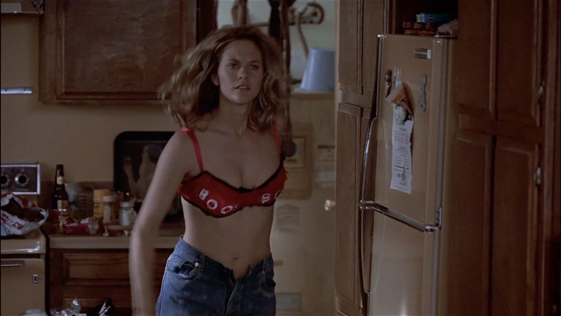 Gwyneth Paltrow nude Meg Ryan and Barbara Alyn Woods nude too - Flesh and Bone (1993) HDTV 1080p (13)