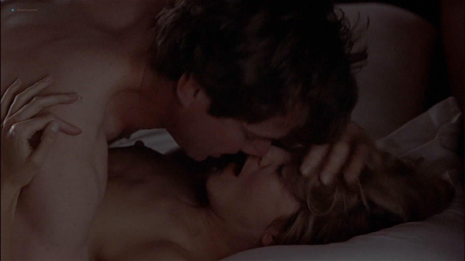 Gwyneth Paltrow nude Meg Ryan and Barbara Alyn Woods nude too - Flesh and Bone (1993) HDTV 1080p (9)
