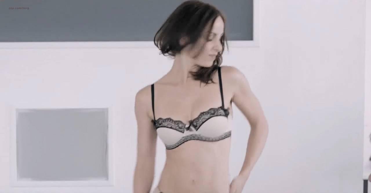Lili Bordán nude sex Lindsay Armaou and others nude topless - The Smoke (UK-2014) hd720p (14)