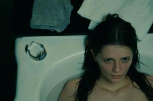 Mischa Barton hot sexy and wet in – Walled In (2009) hd1080p