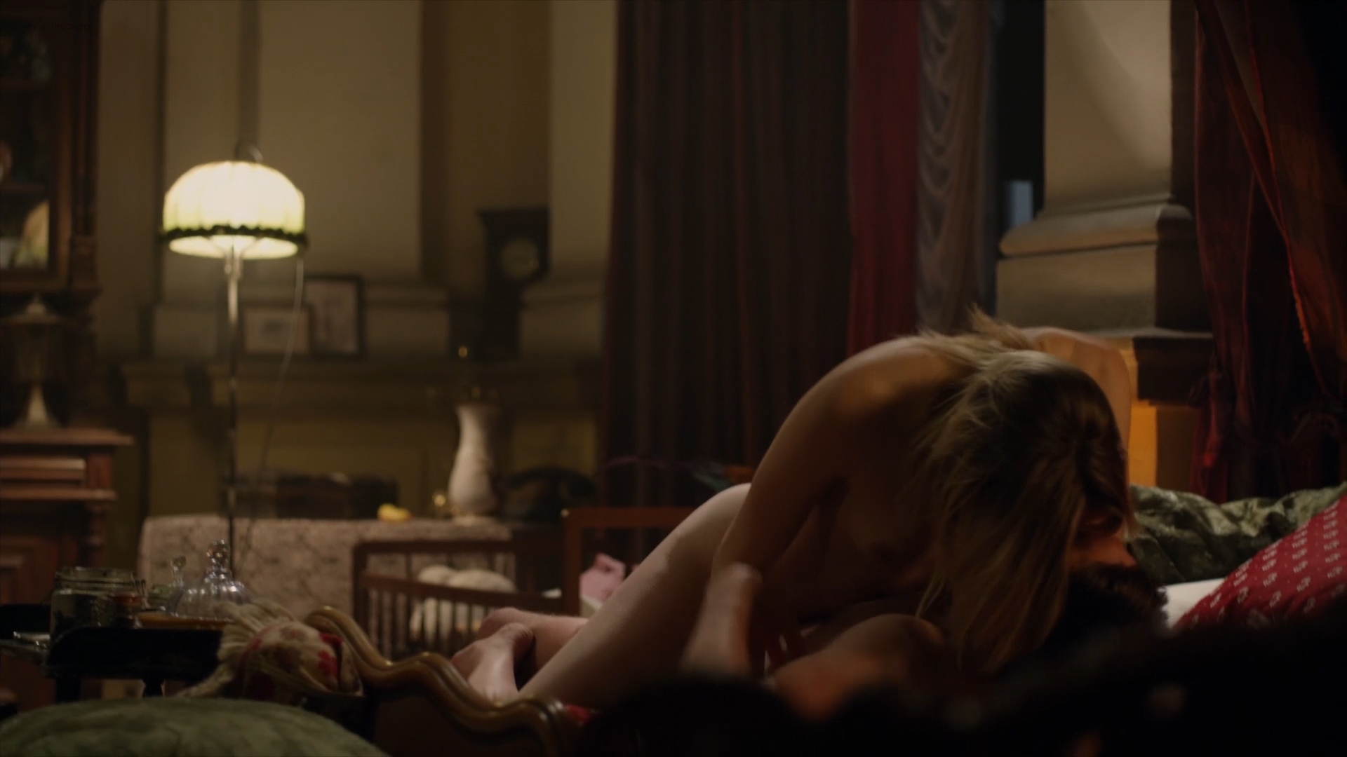 Sadie Katz nude Roxanne Pallett nude sex and others nude - Wrong Turn 6 Last_Resort (2014) hd1080p (6)