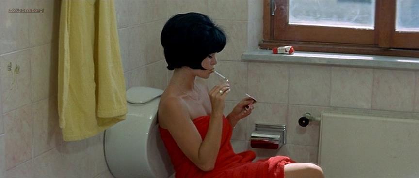 Brigitte Bardot nude butt naked - Le Mépris (FR-1963) (3)