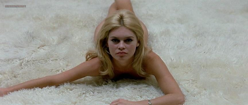 Brigitte Bardot nude butt naked - Le Mépris (FR-1963) (11)
