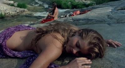 Jane Seymour nude side boob and nipple and Taryn Power nude side boob - Sinbad and the Eye of the Tiger (1977) hd1080p (3)