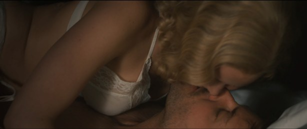 Jennifer Lawrence hot sexy some sex and great cleavage - Serena (2014) hd1080p (7)