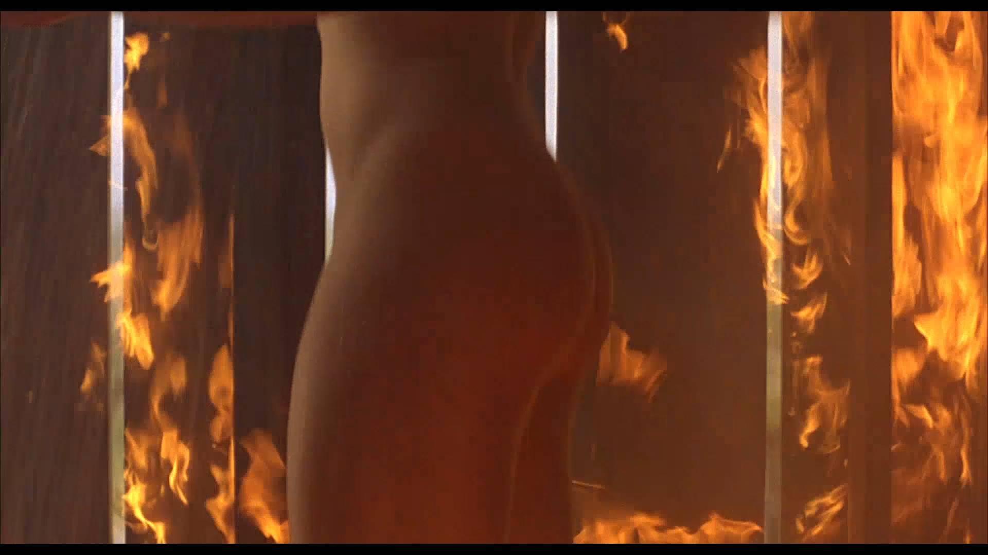Lumi Cavazos nude full frontal Claudette Maille nude bush and Regina Torné nude topless - Como agua para chocolate (1992) 1080p (10)