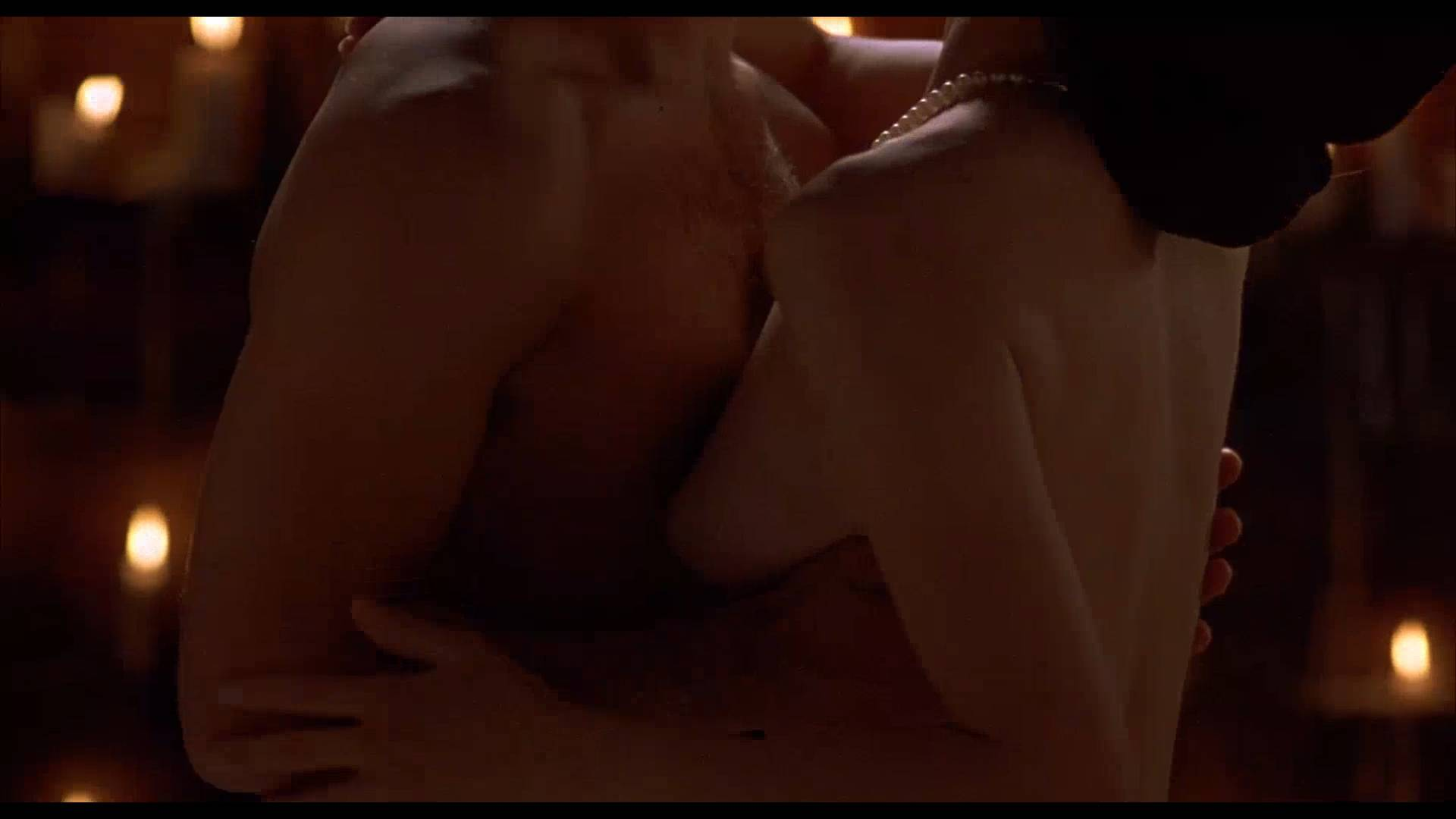 Lumi Cavazos nude full frontal Claudette Maille nude bush and Regina Torné nude topless - Como agua para chocolate (1992) 1080p (4)