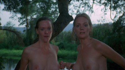 Lynette and Leigh Harris nude twins hot and wet - Sorceress (1982) hd1080p (5)