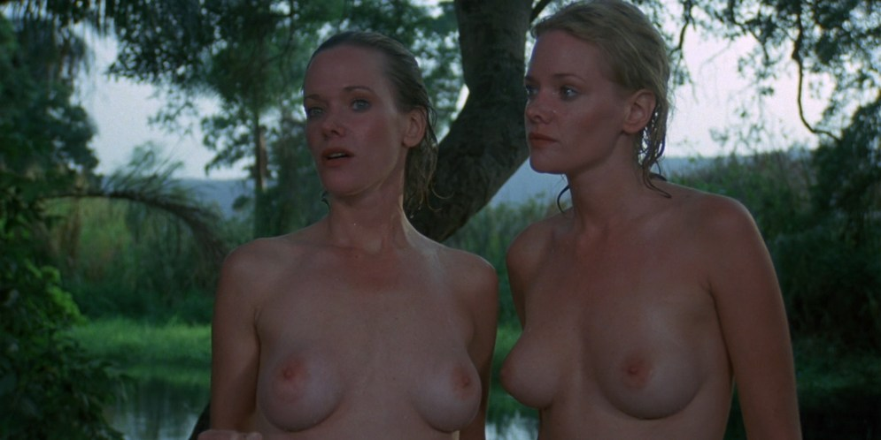 Lynette and Leigh Harris nude twins hot and wet - Sorceress (1982) hd1080p (1)