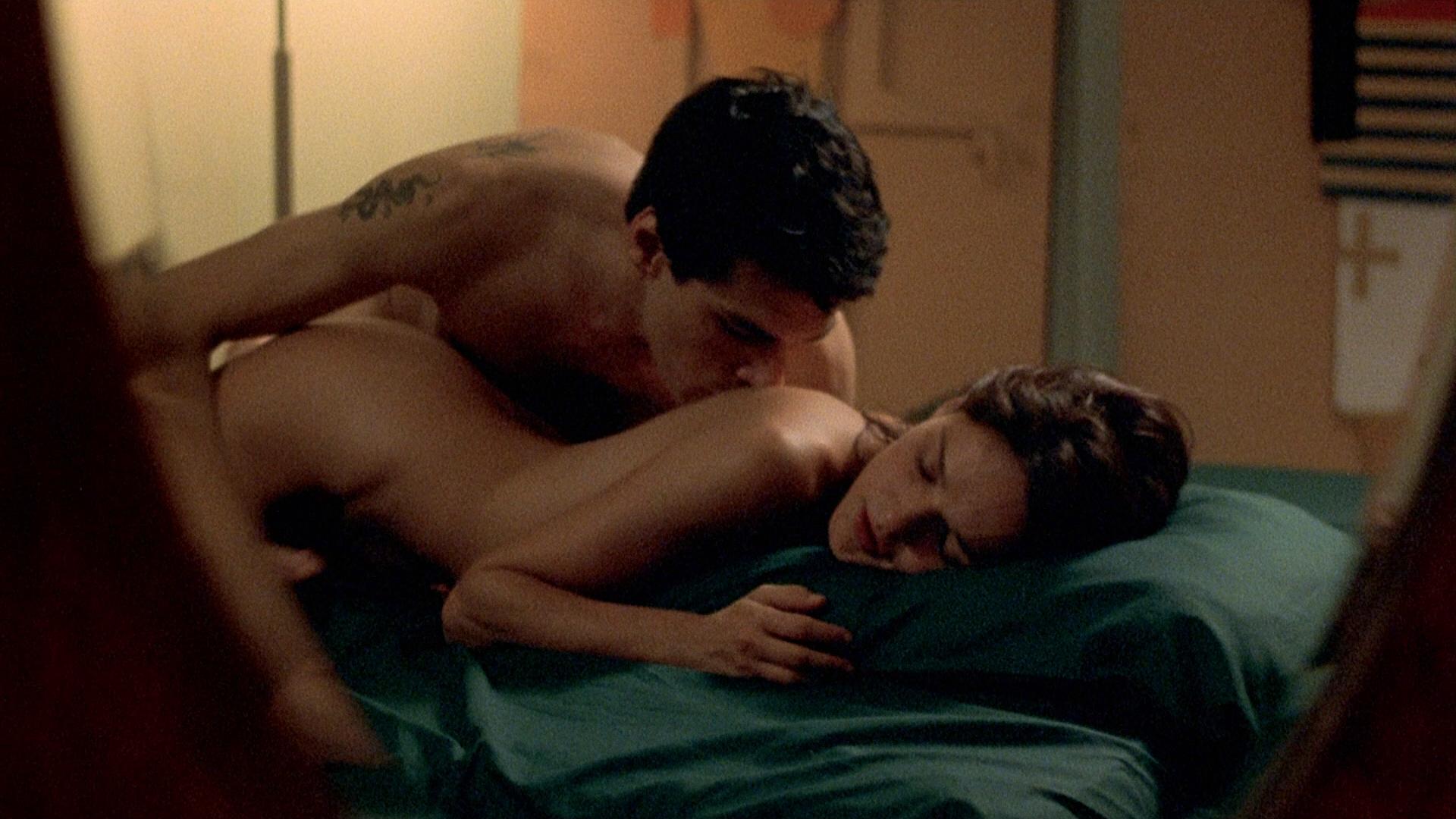 Barbara Lerici nude full frontal and Chiara Caselli nude briefly - Sleepless (IT-2001) HD 1080p (12)