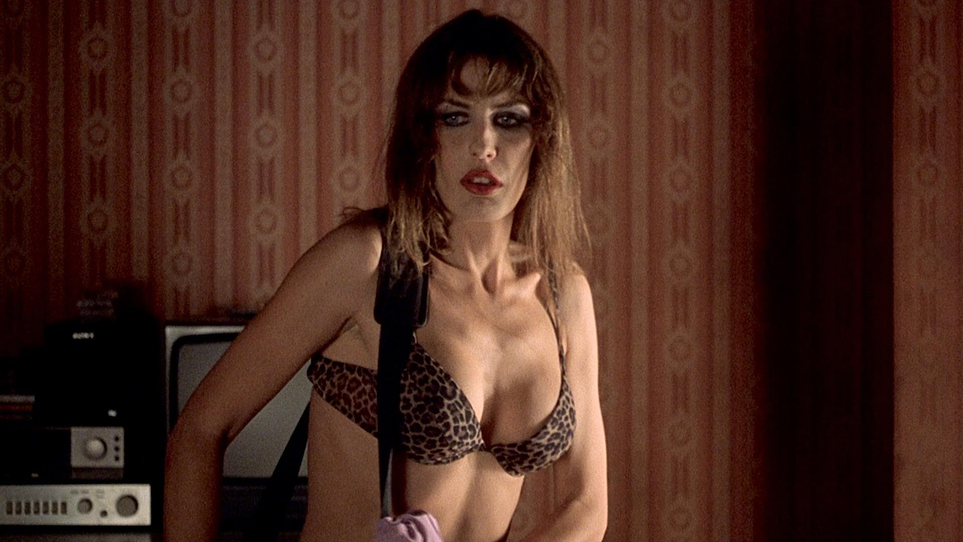 Barbara Lerici nude full frontal and Chiara Caselli nude briefly - Sleepless (IT-2001) HD 1080p (13)