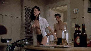 Linda Fiorentino nude topless and sex- The Last Seduction (1994) HD 1080p