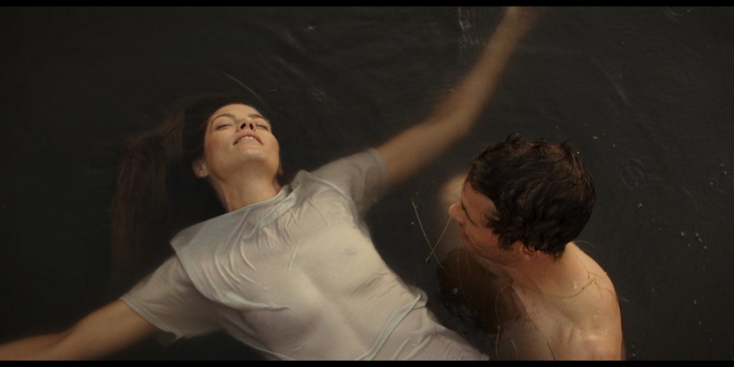 Michelle Monaghan hot see-through and Liana Liberato hot mild sex - The Best of Me (2014) HD 1080p BluRay (3)