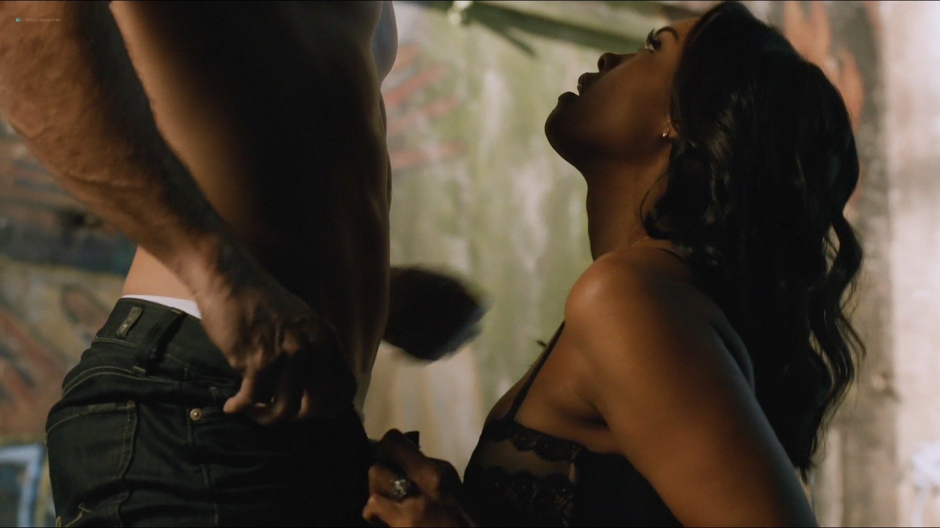 Sharon Leal nude and lot of sex others nude too - Addicted (2014) HD 1080p (11)