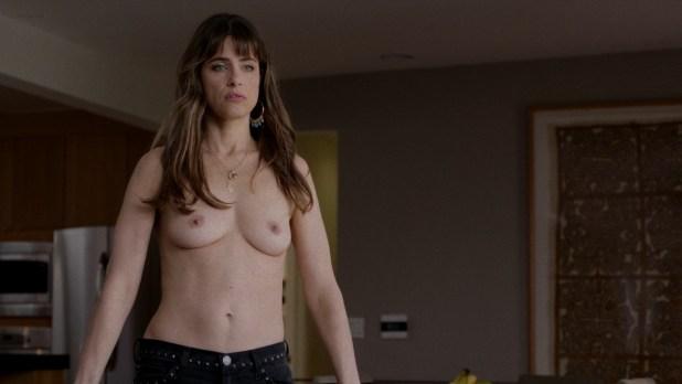 Amanda Peet nude topless - Togetherness (2015) s1e6 hd720p (3)