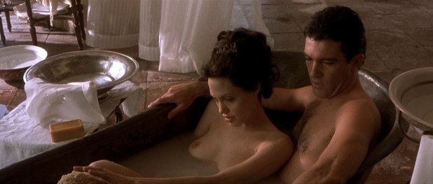 Angelina Jolie nude and hot sex in - Original Sin (2001) hd1080p (1)