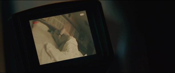 Alice Braga nude topless and Teresa Palmer hot but not nude - Kill Me Three Times (2014) hd1080p BluRay (6)