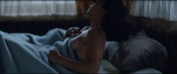 Alice Braga nude topless and Teresa Palmer hot but not nude - Kill Me Three Times (2014) hd1080p BluRay (4)