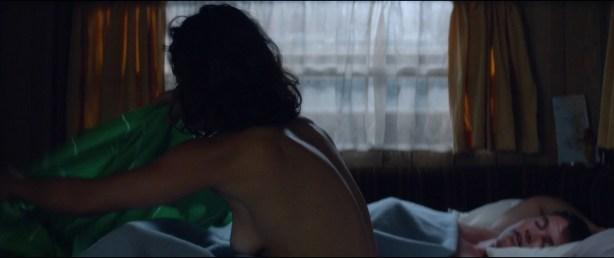 Alice Braga nude topless and Teresa Palmer hot but not nude - Kill Me Three Times (2014) hd1080p BluRay (3)