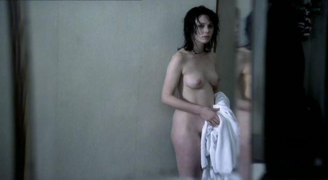 Barbora Bobulova nude full frontal - La spettatrice (IT-2004) (7)