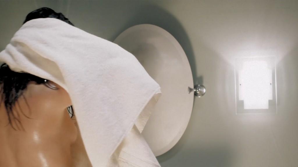 Cindy Sampson nude side boob in shower Meghan Heffern hot - The Shrine (2010) hd1080p (3)