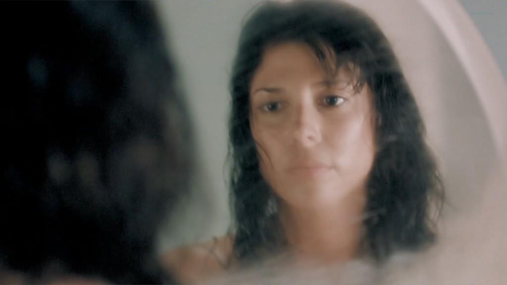 Cindy Sampson nude side boob in shower Meghan Heffern hot - The Shrine (2010) hd1080p (2)