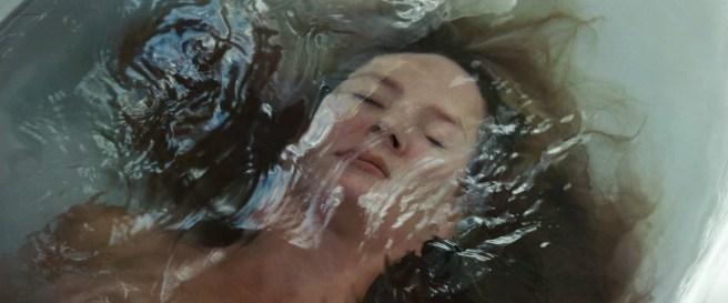 Evan Rachel Wood hot and wet in bikini and Eva Amurri hot - The Life Before Her Eyes (2008) hd1080p (2)