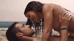 Mariam Bachir nude topless and sex on the beach - El Niño (ES-2014) hd 1080p