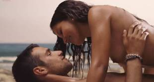 Mariam Bachir nude topless and sex on the beach - El Niño (ES-2014) hd 1080p (5)