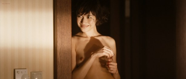 Olga Kurylenko nude full frontal and very hot - Hitman (2007) hd1080p (1)