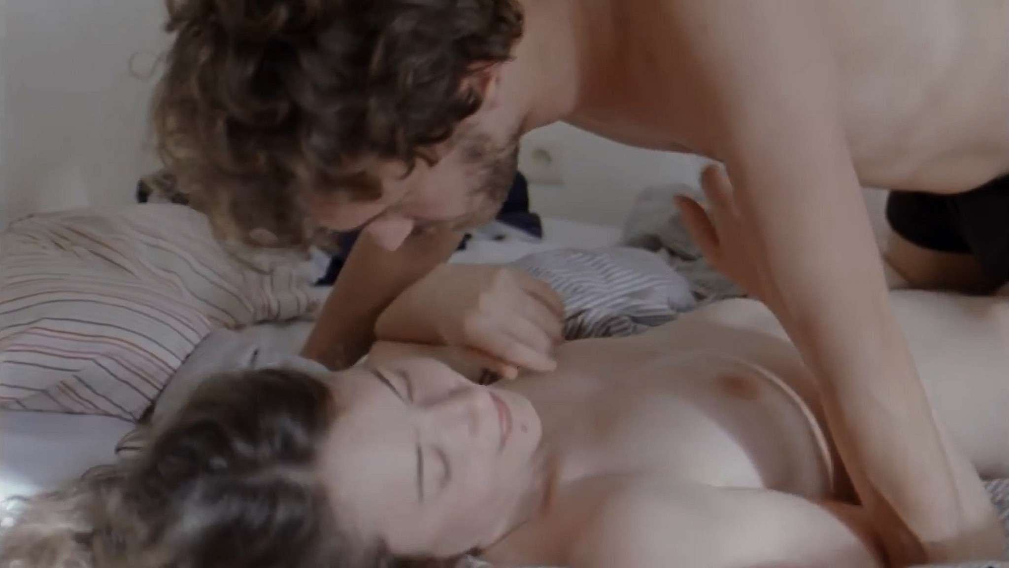 Salomé Richard nude full frontal - Septembre (2013) HD 720p (9)