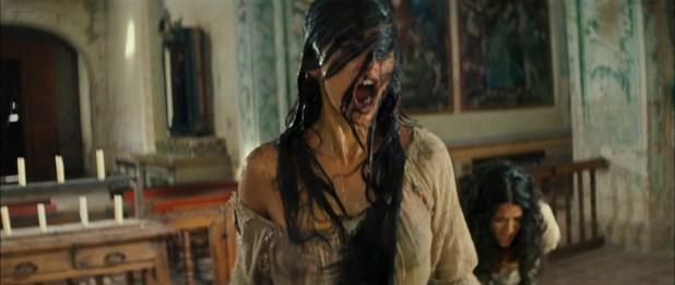 Penélope Cruz hot see through and Salma Hayek hot cleavage - Bandidas (2006) hd1080p (12)