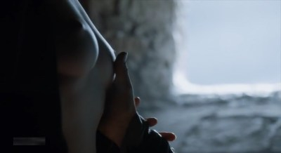Carice van Houten nude topless and Emilia Clarke hot not nude - Game of Thrones (2015) s5e4 hd720/1080p (19)