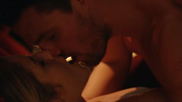 Emily Bett Rickards nude sex but covered - Arrow (2015) s3e20 hd720p. (2)