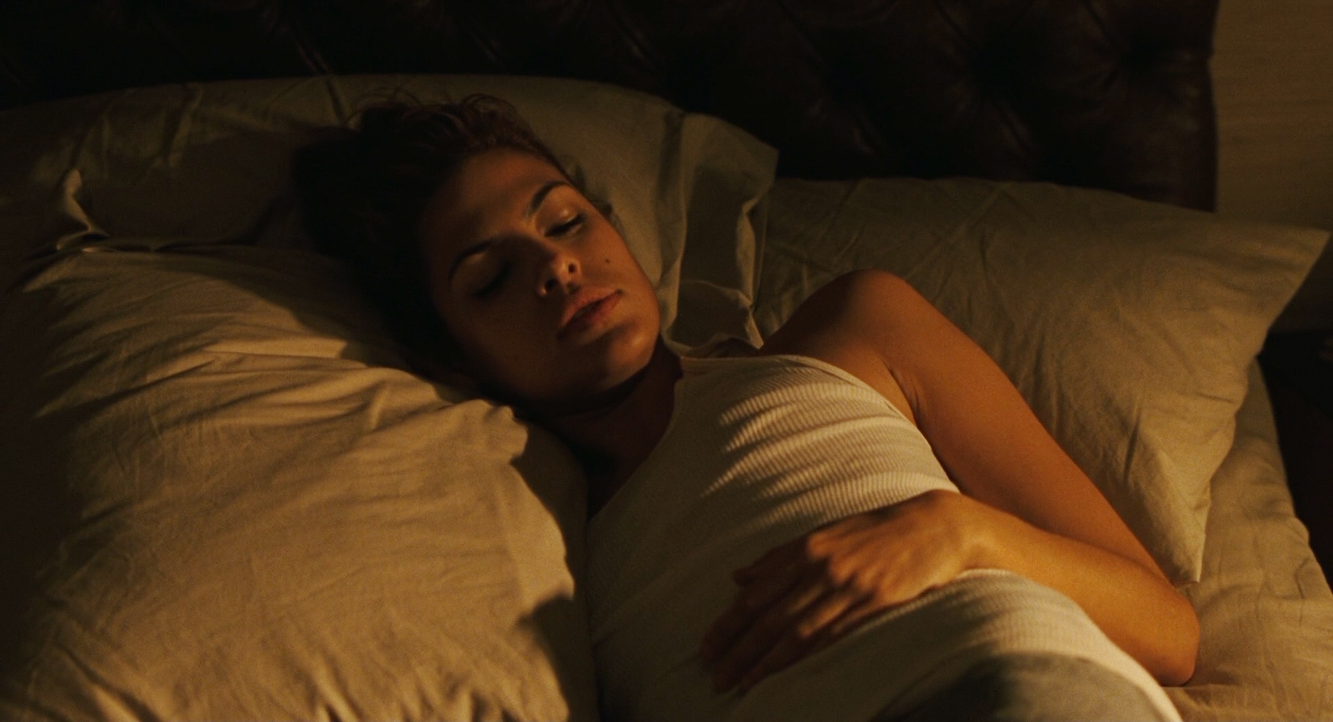 Eva Mendes nude nipple slip and masturbation- We Own the Night (2007) hd1080p (12)