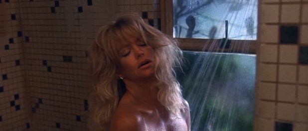 Goldie Hawn nude butt naked - Bird on a Wire (1990) hd1080p (6)