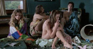 Kelly Lynch nude but covered Heather Graham hot - Drugstore Cowboy (1989) HD 1080p BluRay (8)