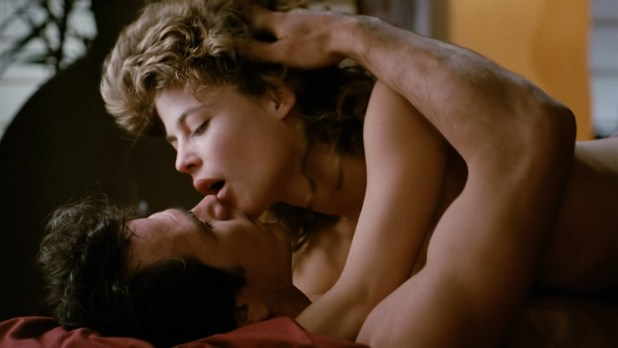 Linda Hamilton nude topless and sex - Black Moon Rising (1986) hd1080p (3)