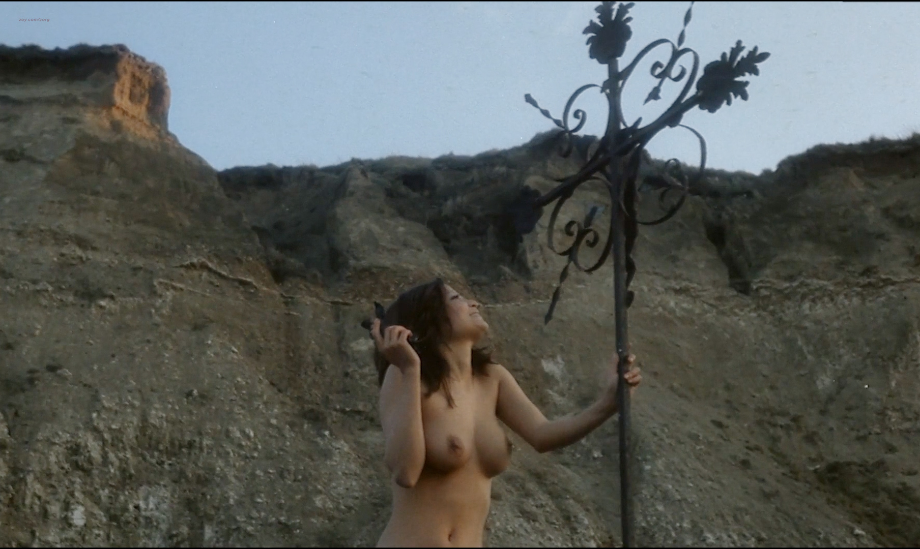 Françoise Pascal nude full frontal butt, bush and nude outdoor - La Rose de fer (FR-1973) hd1080p (24)