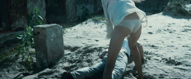 Amber Heard hot in bikini and Odette Annable hot too - And Soon the Darkness (2010) hd1080p (12)