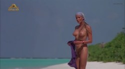 Bo Derek nude full frontal - Ghosts Can't Do It (1989) (10)