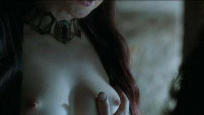 Carice van Houten nude topless and Emilia Clarke hot not nude - Game of Thrones (2015) s5e4 hd720/1080p (15)