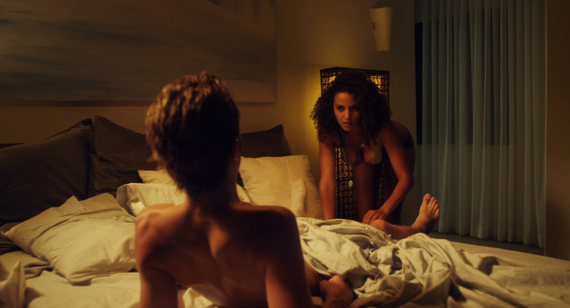 Chloe Bridges hot bikini Jillian Murray hot Mindy Robinson nude - Mantervention (2014) hd720-1080p (1)