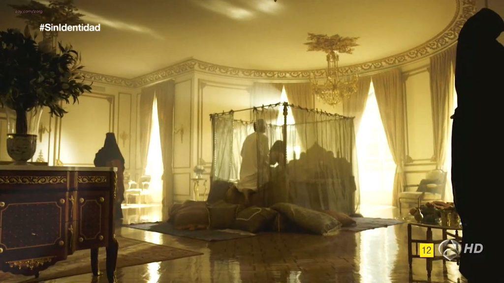 Megan Montaner nude sex and Veronica Sanchez nude too - Sin Identidad (ES-2014) S1 HDTV 720p (10)